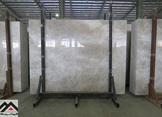 سنگ مرمریت پرشین سیلک معدن بیات با زمینه خاکستری