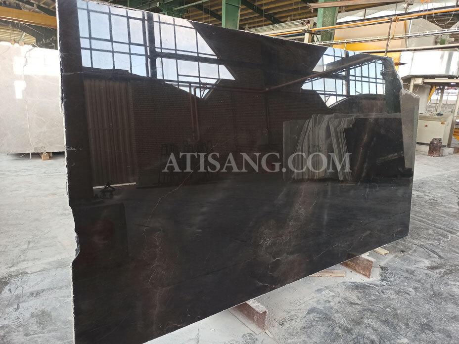 سنگ ساختمانی مرمریت مشکی مناسب برای فضای داخل ساختمان مانند سنگ دیوار، سنگ لابی، سنگ دیوار پشت تلوزیون